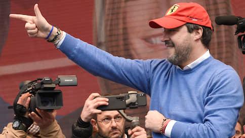 Маттео Сальвини припомнили мигрантов  / Лидер итальянской «Лиги» готов идти под суд