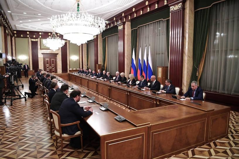 Сохранили свои посты 12 министров из 21, одно министерство (по делам Северного Кавказа) было упразднено