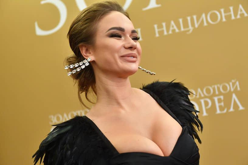 Актриса Яна Кошкина