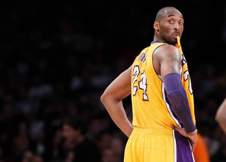 Брайант известен своей сверхрезультативной игрой. Всего за карьеру он набрал 33 тыс. 643 очка, войдя в десятку лучших снайперов НБА