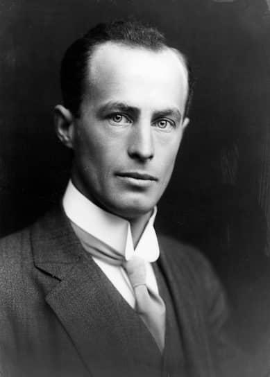 Австралийская антарктическая экспедиция 1911—1914 годов под руководством геолога Дугласа Моусона преследовала исключительно научные цели. В ходе экспедиции были открыты и нанесены на карту ранее неизвестные регионы материка и его побережья, основана радиотелеграфная станция, обнаружен первый в Антарктиде метеорит