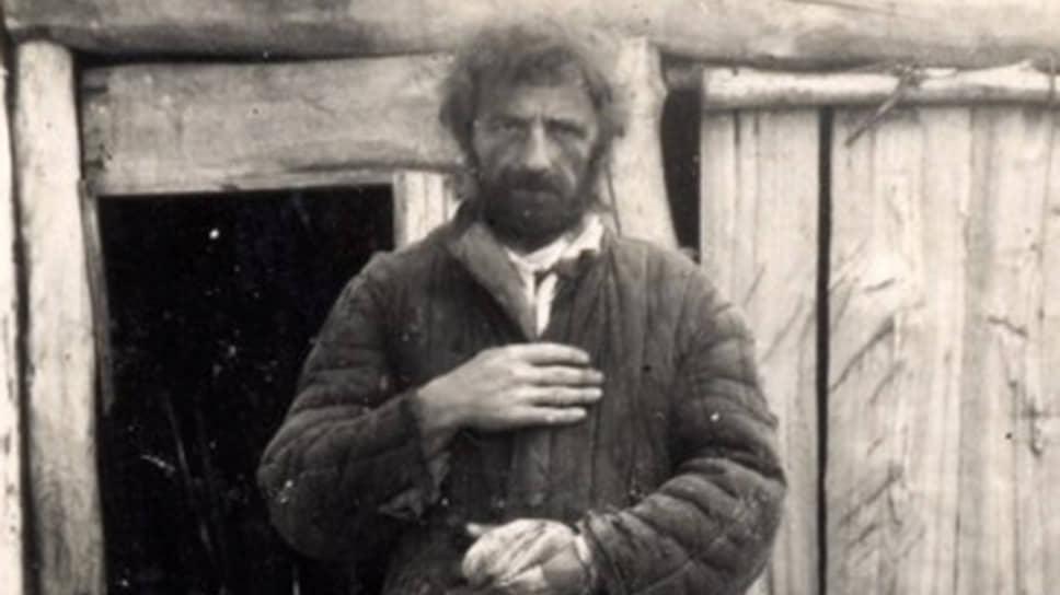 Младший лейтенант Иван Бакланов до того, как попасть в плен, провоевал меньше месяца. Большая часть войны прошла для него в лагерях и побегах из них.