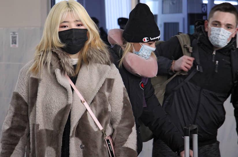 По словам российских туристов, паники в Китае не наблюдается, основные эмоциональные переживания по поводу нового типа вируса наблюдаются у тех, кто приехал в Китай по делам или на отдых