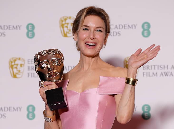 Рене Зеллвегер с наградой в номинации «Лучшая актриса» за фильм «Джуди»
