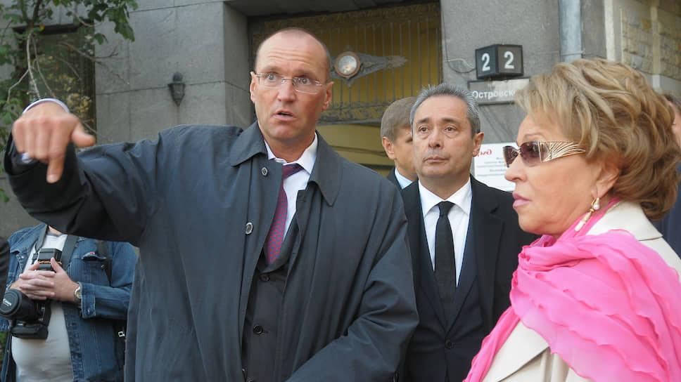 Бывший гендиректор АО «Генеральная строительная корпорация» Виктор Кудрин (слева)
