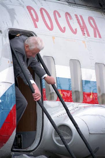 <b>Борис Ельцин, президент РФ</b><br> Безуспешные попытки объявить импичмент президенту Ельцину предпринимались трижды, из них два раза в 1993 году во время его противостояния с Верховным советом. В 1999 году инициативная группа оппозиционных депутатов выдвинула в отношении президента сразу пять обвинений, включая развал СССР и развязывание войны в Чечне. Однако инициатива не получила достаточной поддержки в парламенте