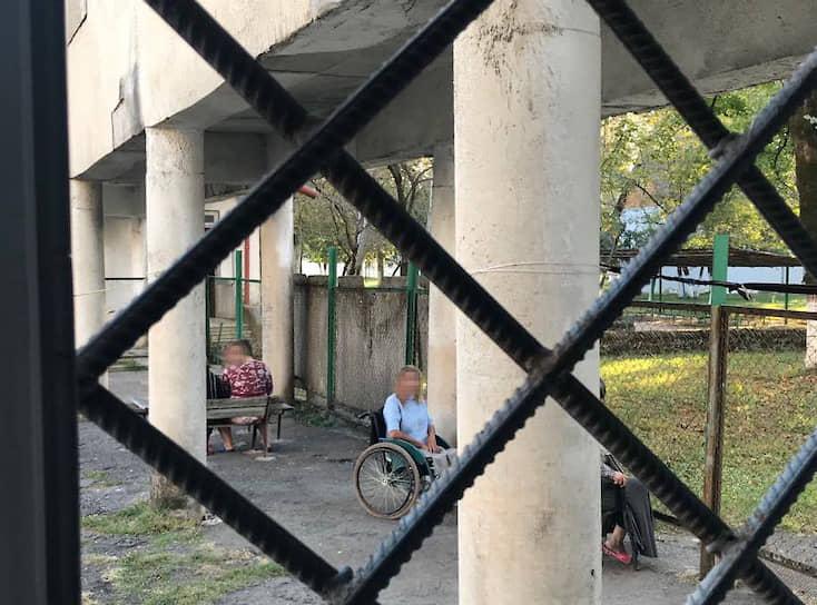 Реформа закрытых институций и постепенное возвращение пациентов в социум — одно из условий программы деинституционализации, разработанной правительством Грузии