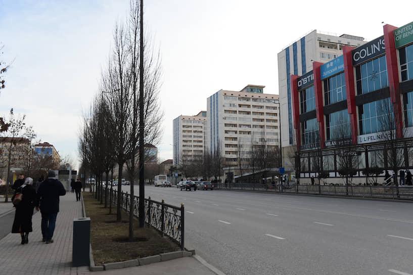 Жилые дома и торговый центр на проспекте Ахмата Кадырова (бывшая улица Ленина), 2020 год