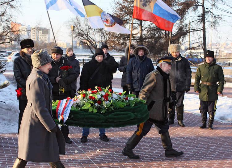 Церемония возложения венков к памятнику адмиралу Колчаку в Иркутске в день 100-летия его гибели, 7 февраля 2020 года