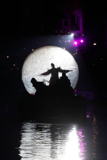 Общий бюджет праздника составил €2 млн, которые в основном поступили от спонсоров и партнеров мэрии Венеции