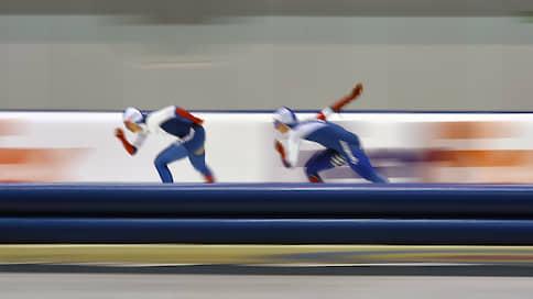 Российские конькобежцы прибежали вторыми  / На чемпионате мира в США они завоевали двенадцать наград и установили два мировых рекорда