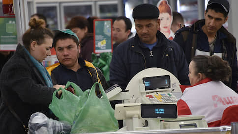 Отказ от «маечек» приведет к потерям в экономике  / Запрет на мягкую пластиковую упаковку спровоцирует рост пищевых отходов
