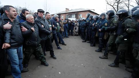 «Опасность забыть о том, что все мы — люди и все мы — украинцы»  / Президент Владимир Зеленский призвал сограждан радушно принять эвакуированных из Уханя