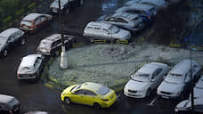 Грузовики и такси гонят из городских дворов  / В Минтрансе разрабатывают штрафы за стоянку коммерческого транспорта у жилых домов