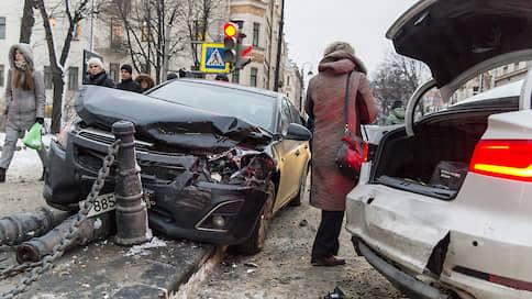 Без снега дорог не видно  / В Подмосковье из-за теплой зимы и быстрой езды стало гибнуть больше пешеходов
