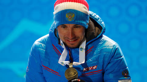 За Александром Логиновым пришли в Италии  / В номерах российского чемпиона мира по биатлону и его тренера проведены обыски