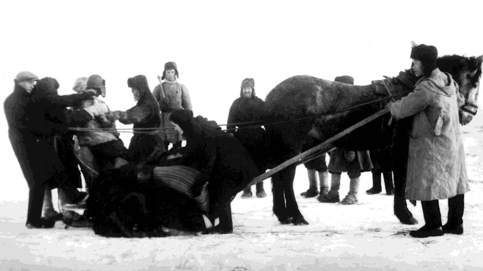 Кулаков, тайно покидавших родные места, ловили и сельские активисты (на фото), и городские чекисты