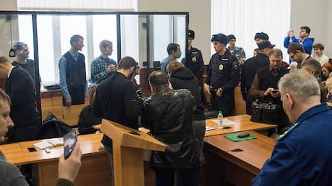«Если они кого-то убили, судите их за это, а не за терроризм»  / Адвокаты осужденных по делу «Сети» выступили с заявлением