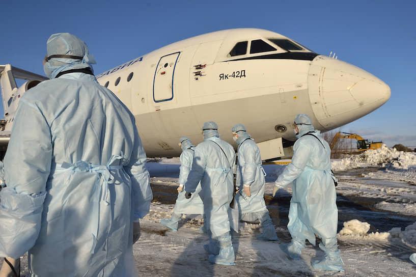 5 февраля. Челябинск. Учения по медицинской эвакуации пассажиров с подозрением на коронавирус в международном аэропорту