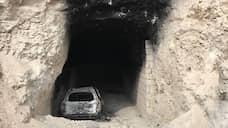 """На фото: вход в уничтоженный сирийской армией подземный штаб запрещенной в России группировки """"Джебхат ан-Нусра"""" в 20 км к западу от Алеппо"""