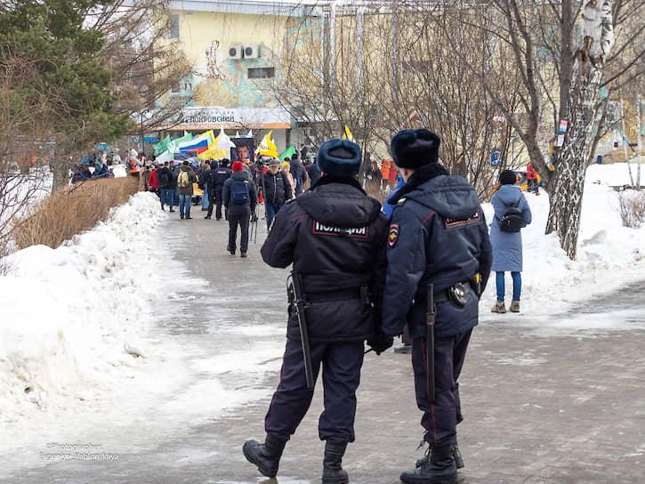 Полиция на шествии памяти Бориса Немцова в Екатеринбурге
