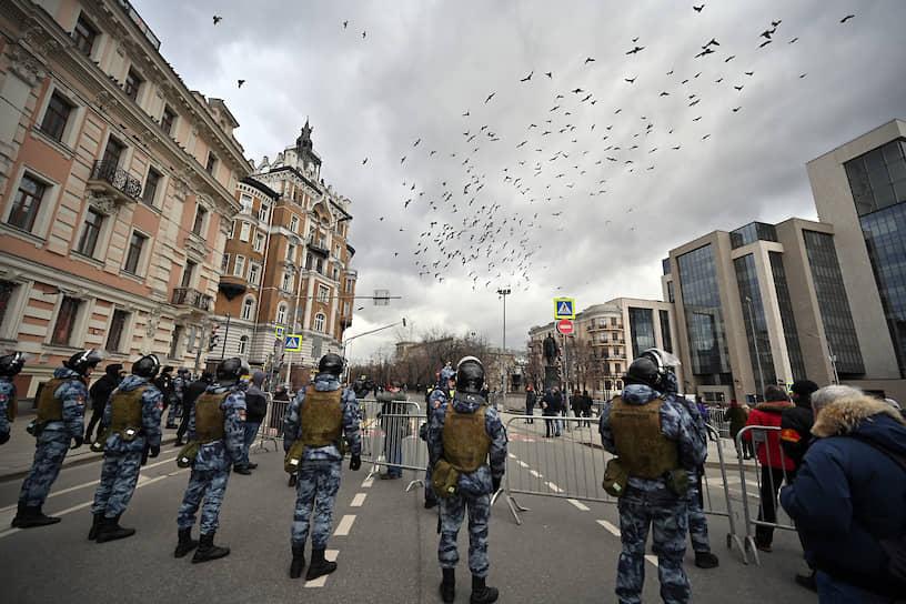 Оцепление на марше в Москве