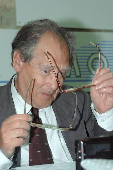 Ковалев — один из авторов российской Декларации прав человека и гражданина (1991) — документа, определившего будущие конституционные нормы России в области прав человека. Основываясь на декларации, он сформулировал основные статьи 2-й главы Конституции