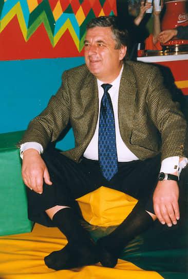 <b>Павел Бородин</b><br> С 1993 по 2000 годы был управляющим делами президента России. В 1995 и 2003 годах баллотировался в Госдуму, но не прошел. Занимал должность госсекретаря Союзного государства (2000-2011), председателя комитета по этике Российского футбольного союза (2012-2014). С 2014 и по настоящее время — председатель правления Союза предпринимателей евразийского экономического пространства «Деловой союз Евразии»