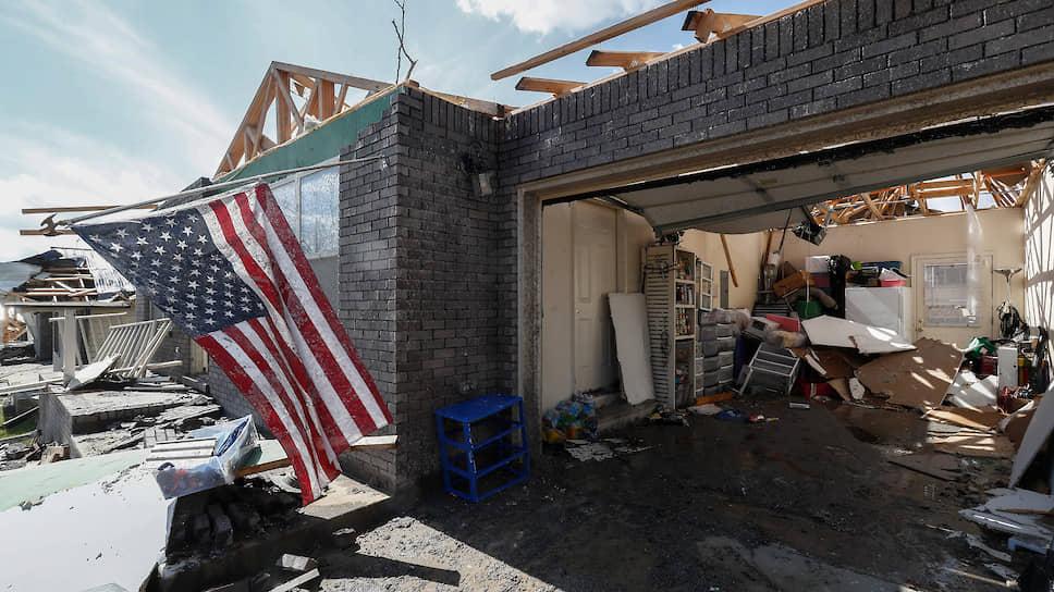 Разрушительные смерчи пронеслись 3 марта над штатом Теннесси на юго-востоке США
