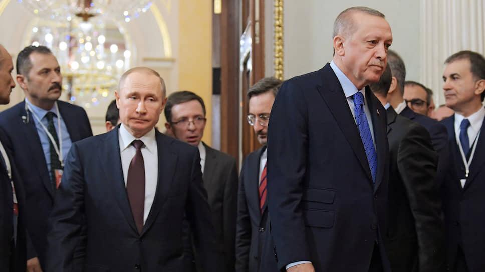 Президент Турции Реджеп Тайип Эрдоган (справа) и президент России Владимир Путин (слева)