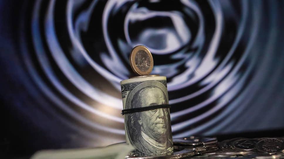 Как нефть уронила российскую валюту