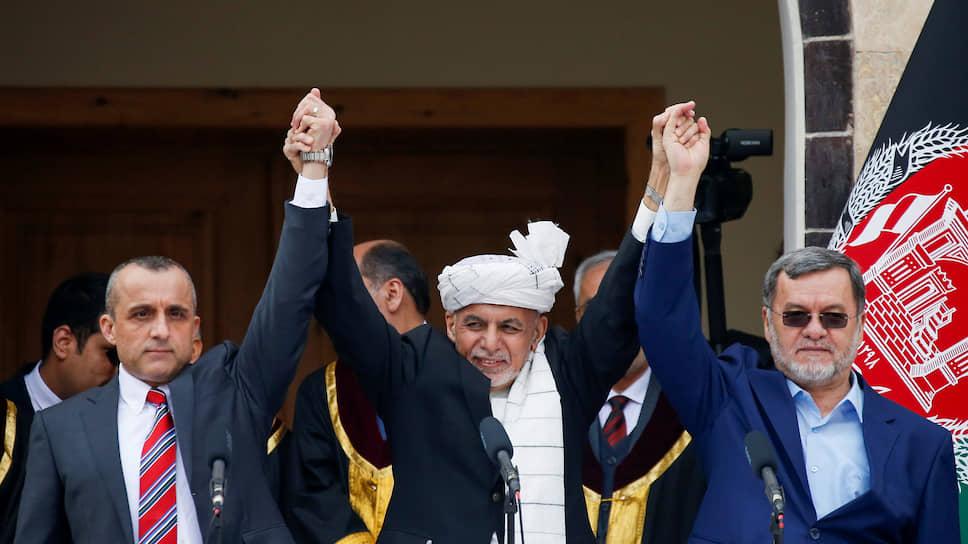Президент Афганистана Ашрафа Гани (в центре) и вице-президенты Амриулла Салех (слева) и Дониш Сарвар
