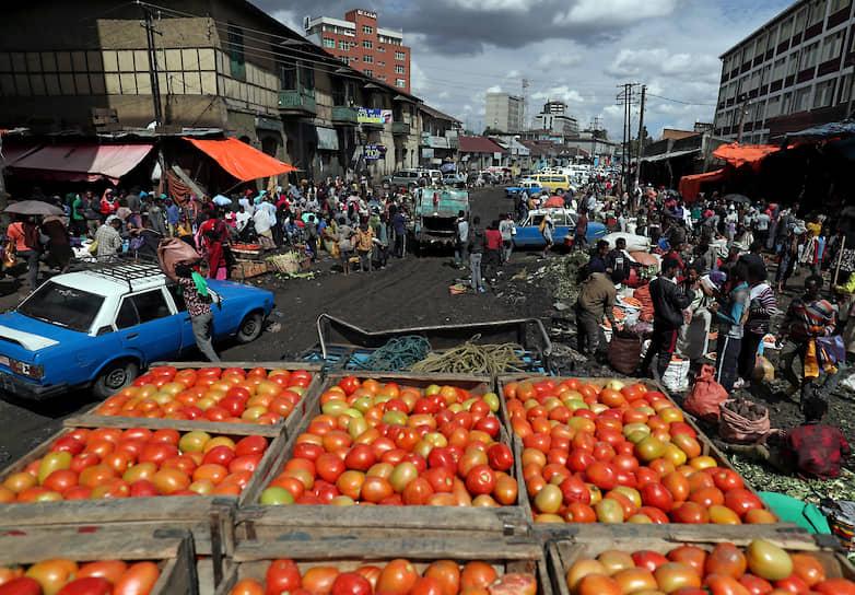 Аддис-Абеба, Эфиопия. Местные жители на рынке