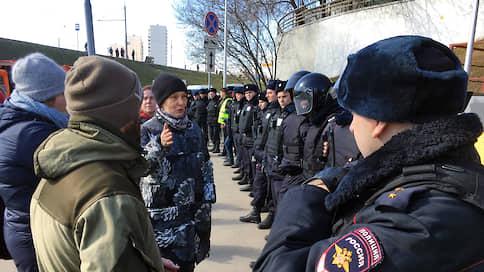Полиция встала на страже радиации  / На месте строительства участка Юго-Восточной хорды в Москве вновь возник конфликт