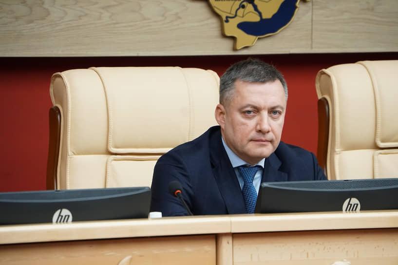 27 октября глава Иркутской области Игорь Кобзев был госпитализирован из-за коронавируса. Накануне сообщалось, что он заразился COVID-19 и работает на самоизоляции