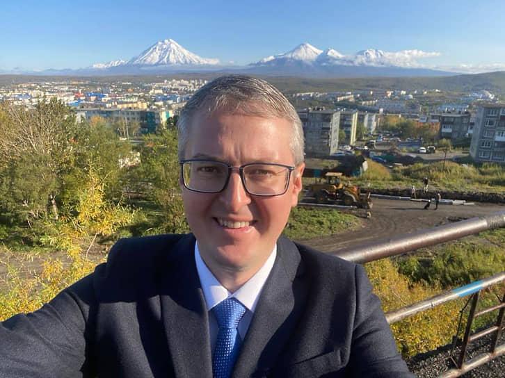 11 ноября губернатору Камчатского края Владимиру Солодову диагностировали COVID-19. 23 ноября он сообщил что вылечился.