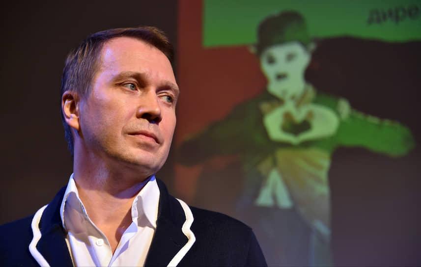 27 ноября художественный руководитель Театра наций Евгений Миронов рассказал в интервью Business FM о том, как заболел COVID-19: «Я понял, что мне плоховато, уже во время спектакля. А когда я его отыграл, то оказалось, что у меня коронавирус»