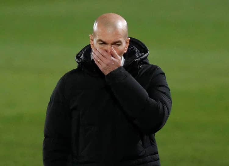 22 января пресс-служба мадридского «Реала» сообщила, что главный тренер команды Зинедин Зидан заразился коронавирусом