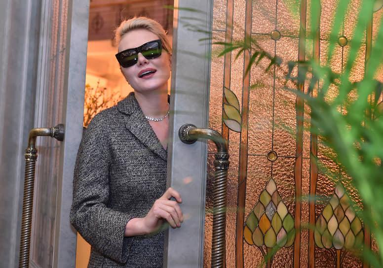 7 декабря актриса Рената Литвинова сообщила, что заразилась коронавирусом