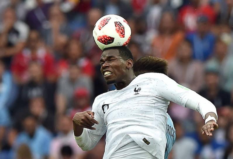 27 августа стало известно, что у полузащитника английского «Манчестер Юнайтед» и сборной Франции по футболу Поля Погба обнаружен коронавирус. Таким образом, Погба пропустит сентябрьские матчи сборной в Лиге наций с командами Швеции и Хорватии