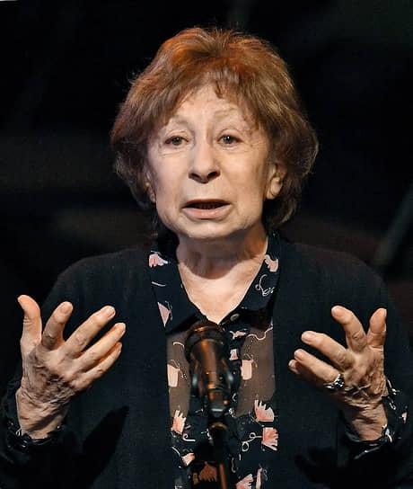 9 января стало известно, что народная артистка России 82-летняя Лия Ахеджакова была госпитализирована с коронавирусом в московскую больницу. Актрису выписали из больницы 18 января