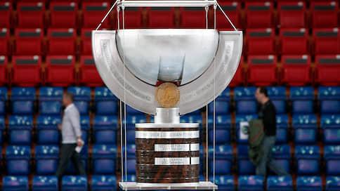 Хоккей не устоял против коронавируса  / Чемпионат мира пополнил список отмененных соревнований