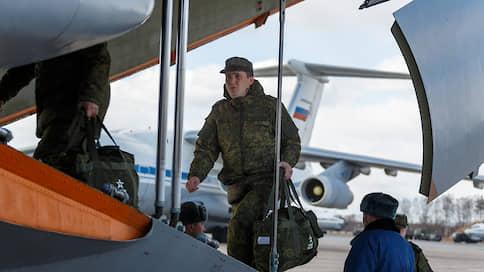 Коронавирусный корпус быстрого реагирования  / Пока мир готовится к жесткому карантину, Россия спешит на помощь Италии