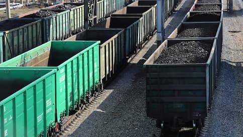 Кузнецкий уголь расписали на год вперед  / ОАО РЖД заручилось гарантиями его отгрузки в Европу