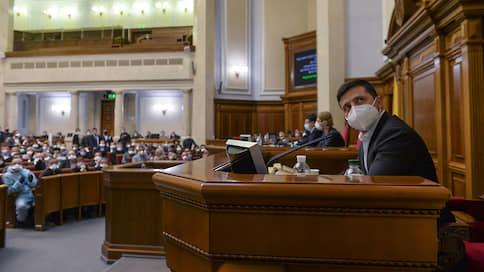 Верховная рада подхватила вирус законотворчества  / Украинская власть в разгар пандемии пытается провести нужные ей законы