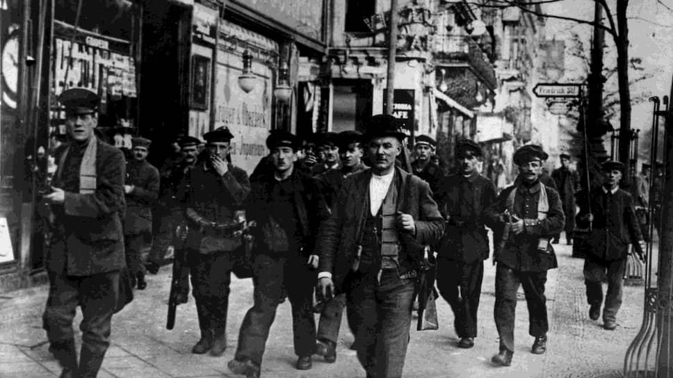 Несмотря на все заверения руководителей Германской компартии и выделенные им огромные деньги, рабочие отряды в 1923 году были вооружены гораздо хуже, чем в 1918-м (на фото)
