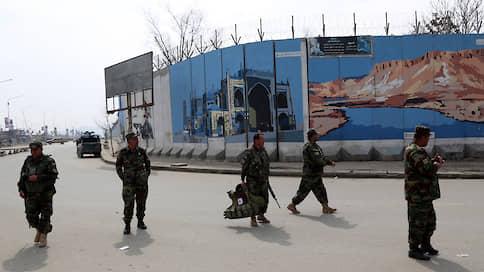 «Талибан» прошелся по Кабулу  / Афганские власти и представители террористов провели историческую встречу
