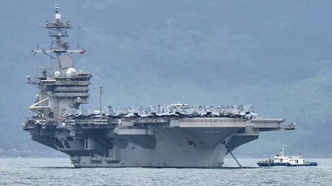 Американский вирусоносец  / Пентагон опроверг слухи, что власти США бросили моряков с «Теодора Рузвельта»