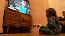 Говорит королева  / Елизавета II призвала британцев проявить самодисциплину и оставаться дома