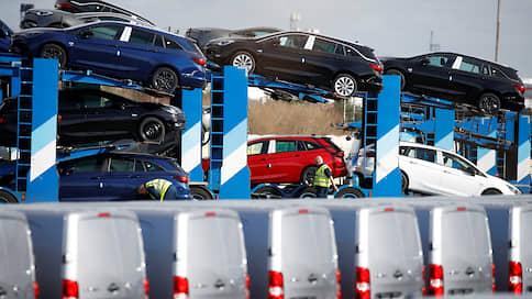 Автокарантин усиливается и удлиняется  / Производители автомобилей все больше страдают из-за пандемии